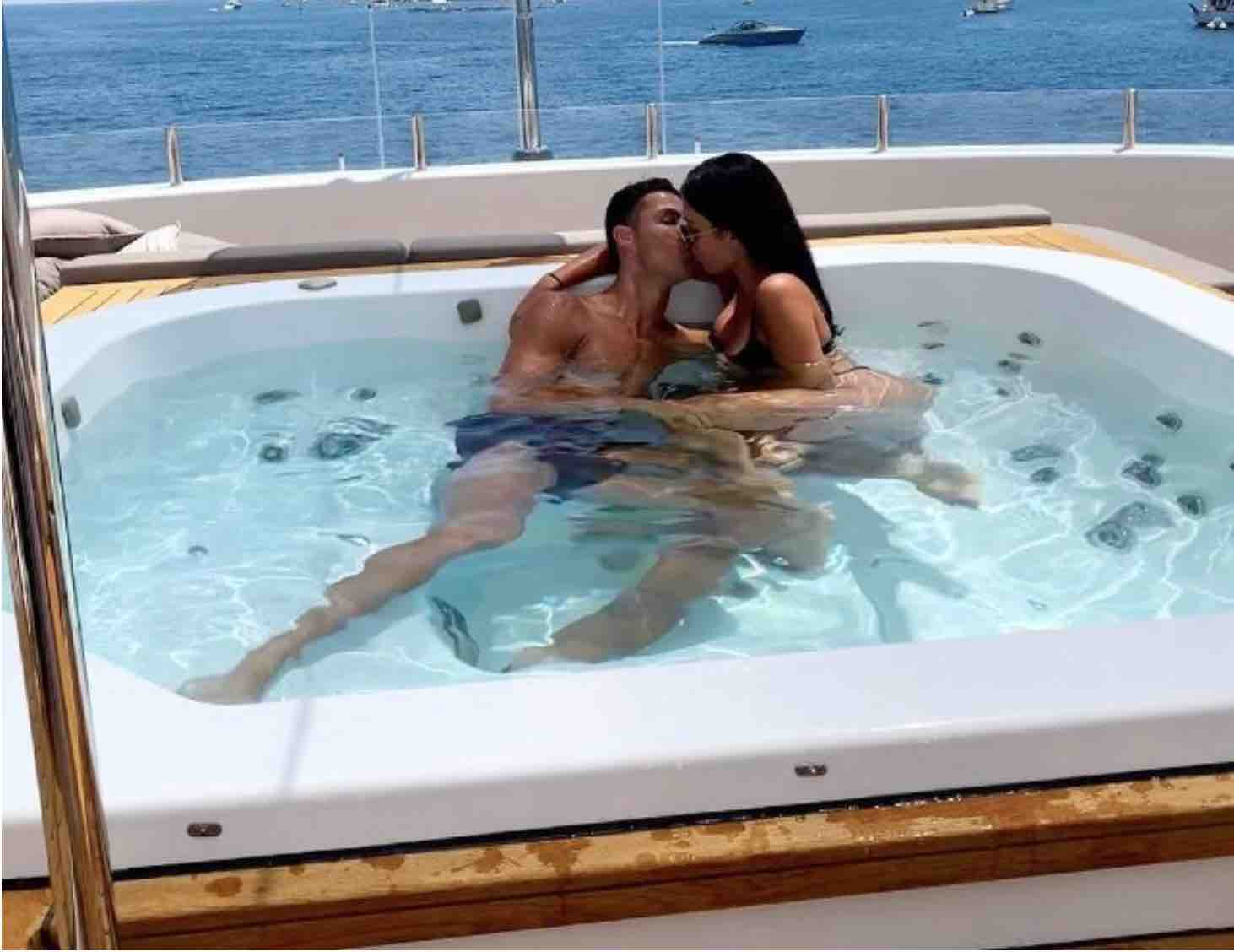 Ronaldo e Georgina in Yacht