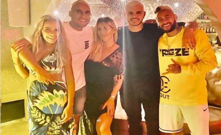 Icardi e Wanda Nara a Ibiza